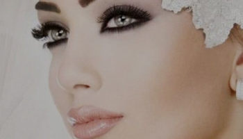 Макияж для серых глаз и темных волос