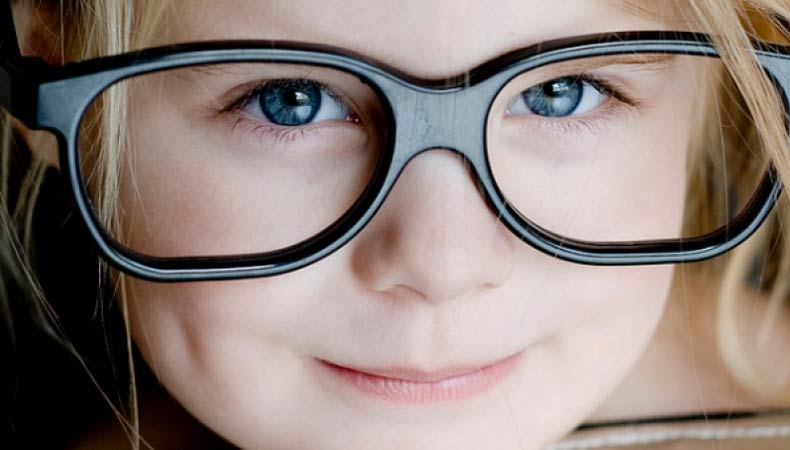 дети потерявших зрение, слабое зрение у ребенка, поддержка взрослых, психика ребенка, дети с дефектным зрением