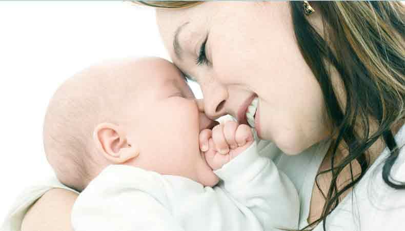 маленький малыш, родителями с помощью, Плач ребенка, успокоить кроху, причина детского плача