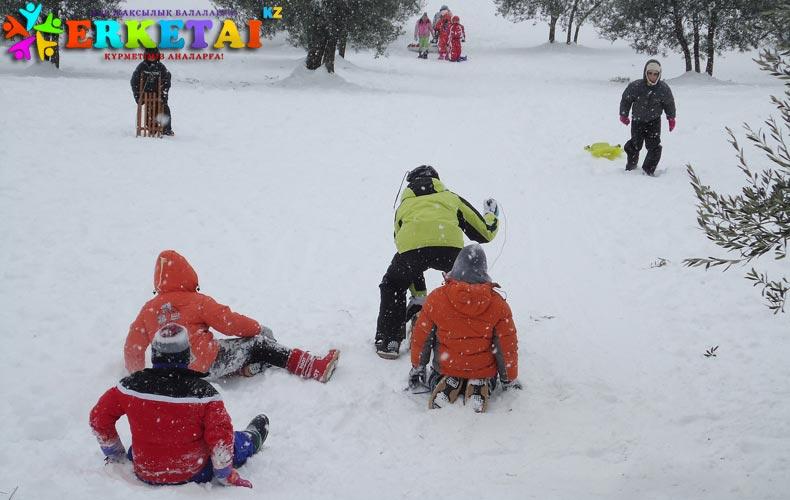 zima-sneg-igra